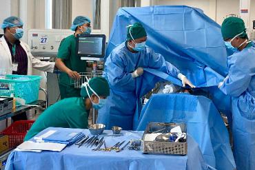 Viện nhi ở TP HCM miễn phí mổ tim, não úng thủy cho trẻ nghèo